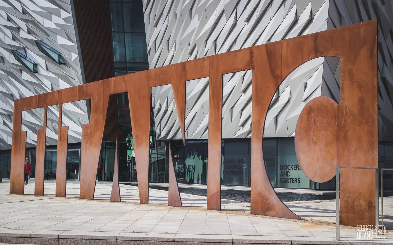 Belfast und das Titanic Museum von geliebtes Irland